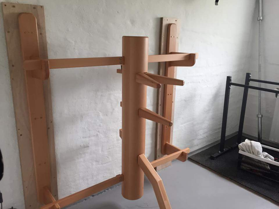 Wooden dummy wall mount
